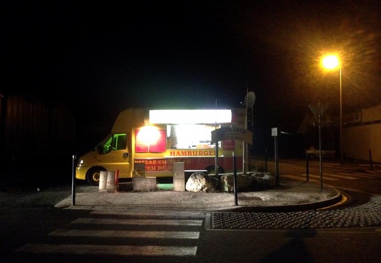 http://www.demitourdefrance.fr/files/gimgs/th-10_friterie_nuit.jpg
