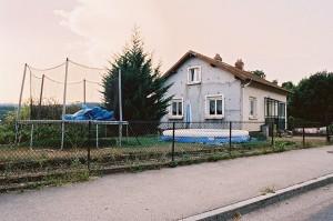 http://www.demitourdefrance.fr/files/gimgs/th-98_maison_piscine_hors_sol.jpg